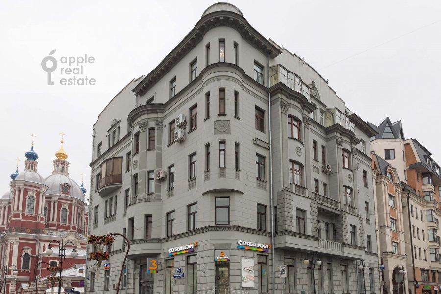 Фото дома 4-комнатной квартиры по адресу Климентовский пер. 9/1