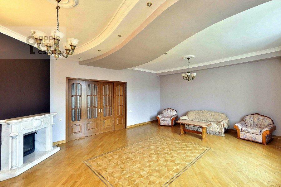 Гостиная в 4-комнатной квартире по адресу Сеченовский пер. 7