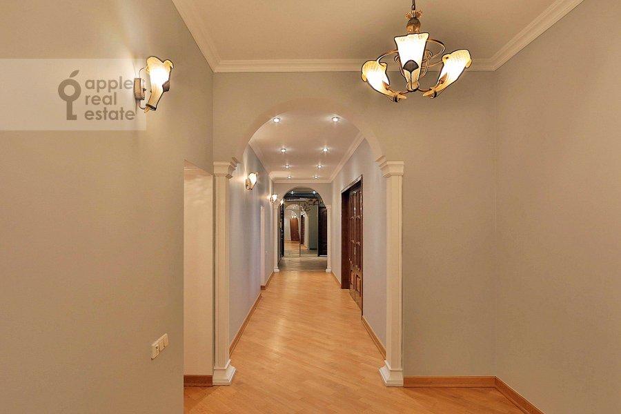 Corridor of the 4-room apartment at Sechenovskiy per. 7