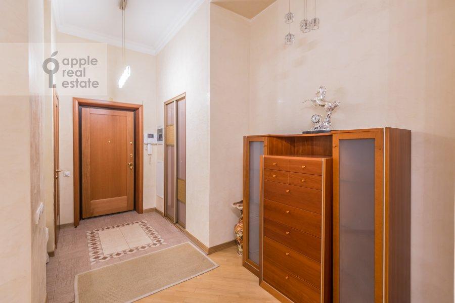 Коридор в 3-комнатной квартире по адресу Солянка ул. 1/2с2