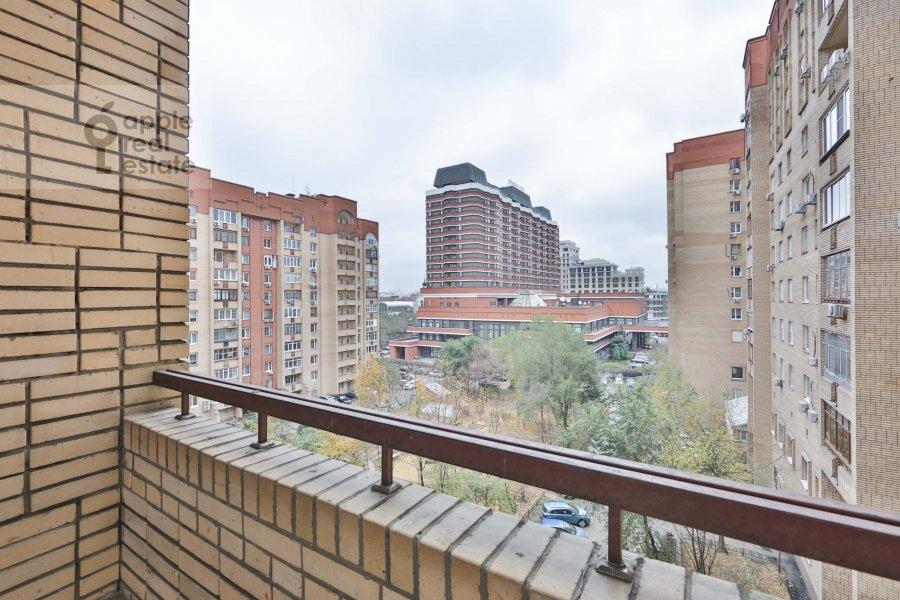 Вид из окна в 4-комнатной квартире по адресу Якиманка Большая ул. 26