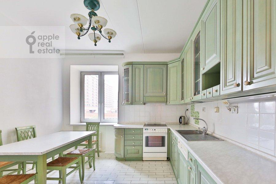 Кухня в 4-комнатной квартире по адресу Якиманка Большая ул. 26