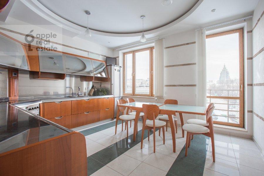 Kitchen of the 4-room apartment at Strastnoy bul'v. 10k1