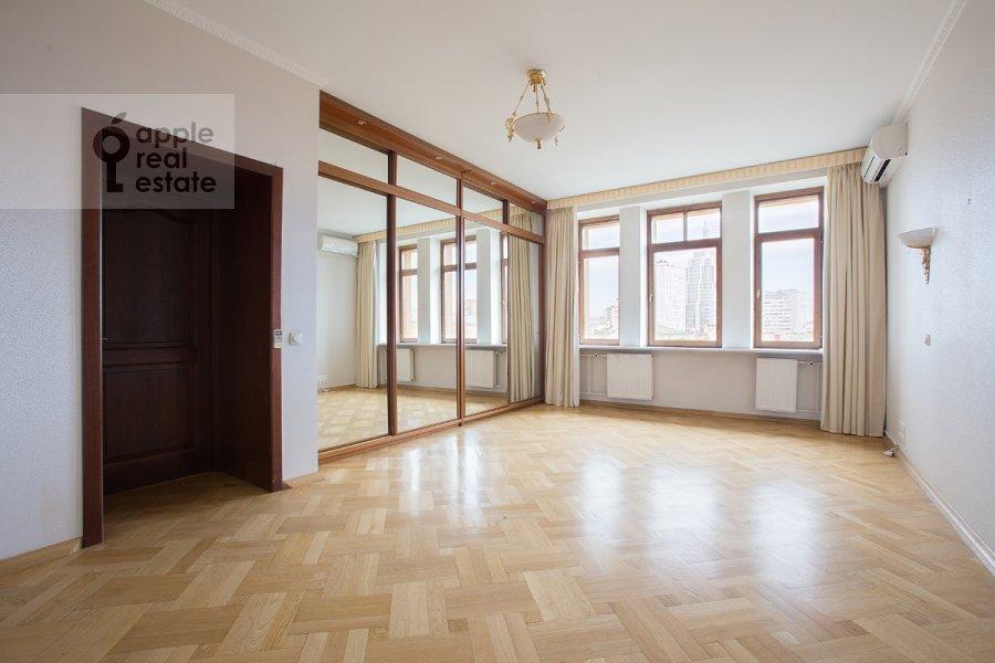 Bedroom of the 5-room apartment at Tverskaya ulitsa 28k2