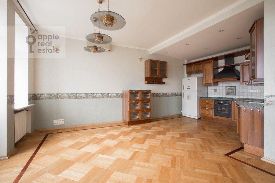Kitchen of the 5-room apartment at Tverskaya ulitsa 28k2