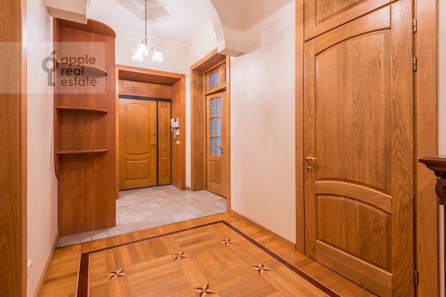 Corridor of the 3-room apartment at Tverskaya ul. 12s8