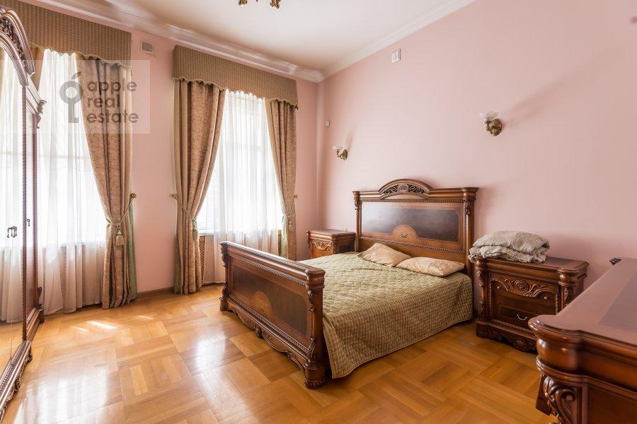 Bedroom of the 3-room apartment at Tverskaya ul. 12s8