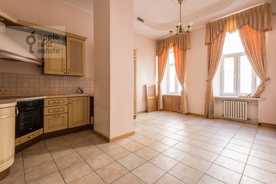 Kitchen of the 3-room apartment at Tverskaya ul. 12s8