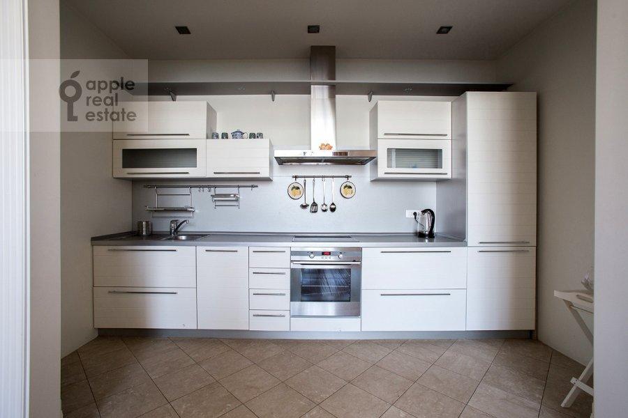 Kitchen of the 3-room apartment at Raspletina ul. 14