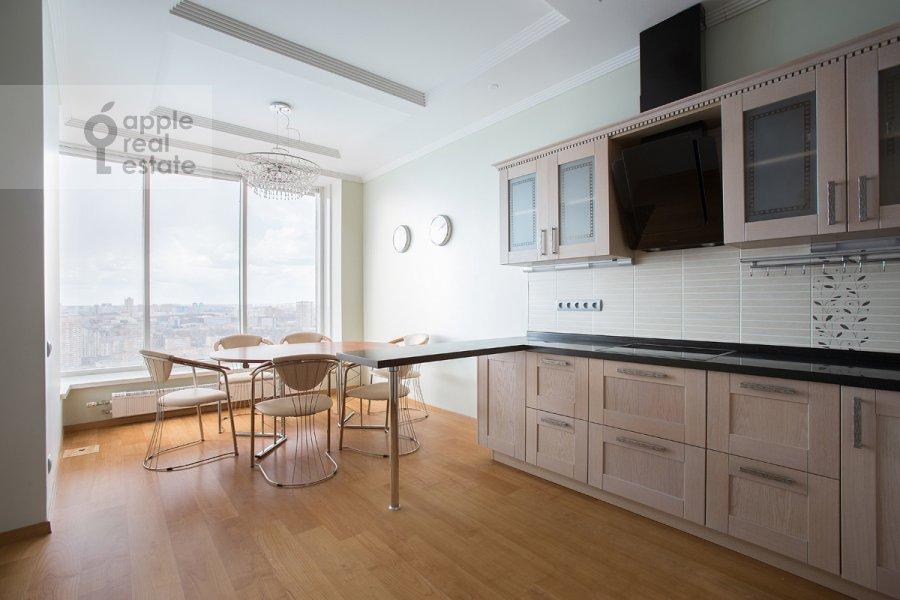Кухня в 3-комнатной квартире по адресу Чапаевский пер. 3