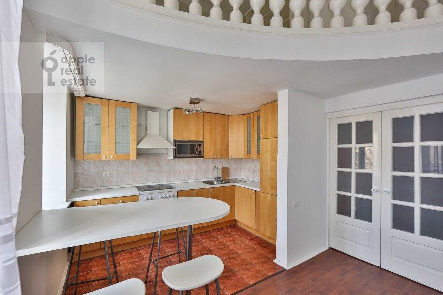 Кухня в 4-комнатной квартире по адресу Ордынка Малая ул. 13с1а