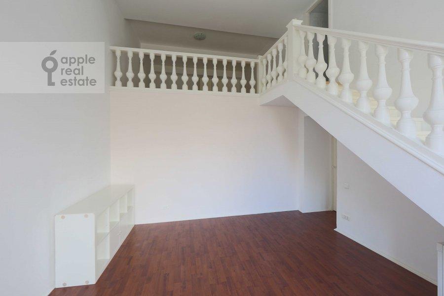 Коридор в 4-комнатной квартире по адресу Ордынка Малая ул. 13с1а