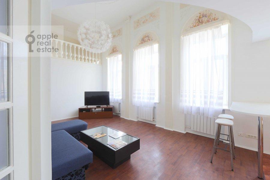 Гостиная в 4-комнатной квартире по адресу Ордынка Малая ул. 13с1а