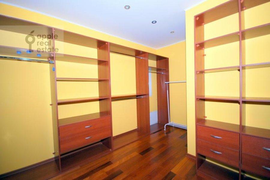 Walk-in closet / Laundry room / Storage room of the 3-room apartment at Aviatsionnaya ul. 77k5