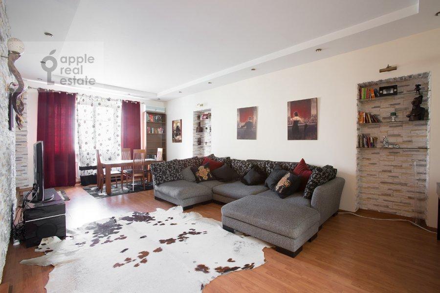 Гостиная в 2-комнатной квартире по адресу Николопесковский Большой пер. 6