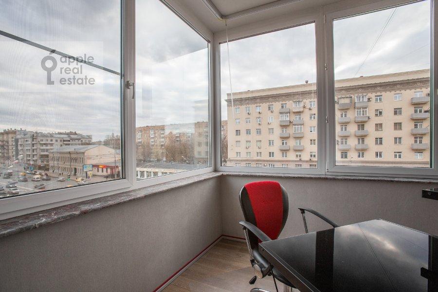 Balcony / Terrace / Loggia of the 2-room apartment at Zemlyanoy Val ul. 27s1