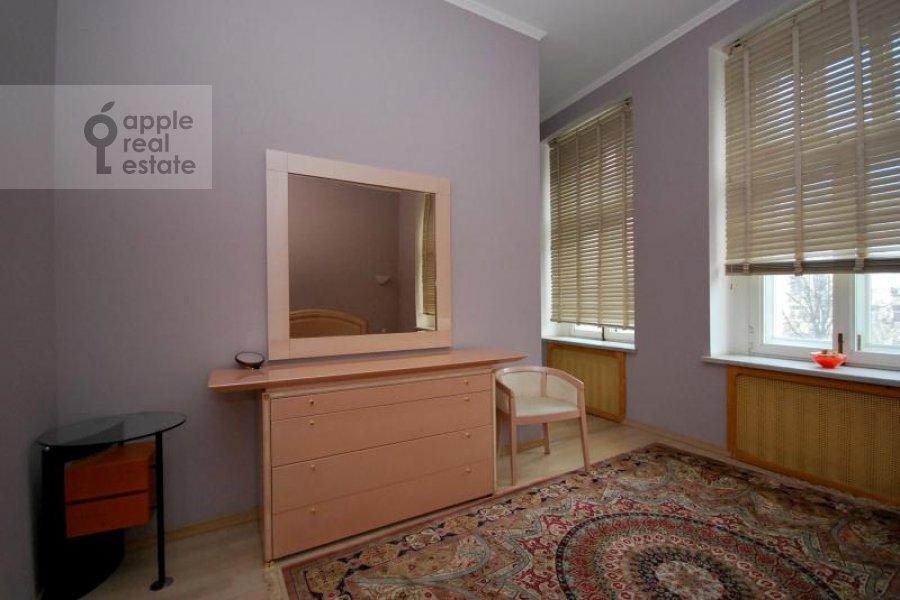 Bedroom of the 3-room apartment at Trubnikovskiy per. 24s1