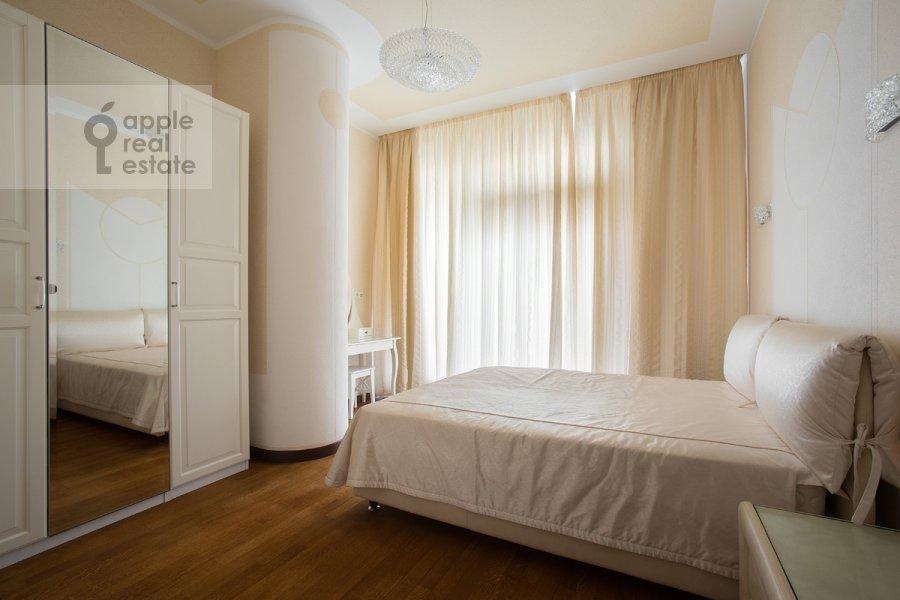 Спальня в 4-комнатной квартире по адресу Грузинская Большая ул. 69