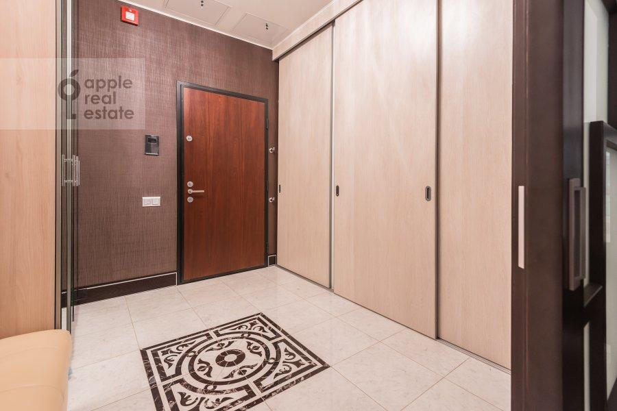 Corridor of the 3-room apartment at Bol'shaya Gruzinskaya ul. 69