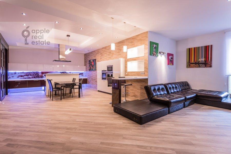 Living room of the 3-room apartment at Bol'shaya Gruzinskaya ul. 69