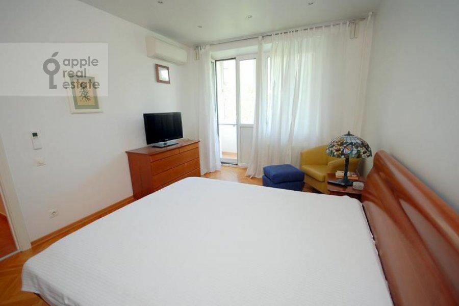 Bedroom of the 2-room apartment at Skakovaya ul. 18k2