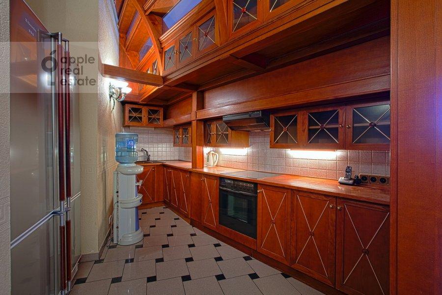 Kitchen of the 6-room apartment at Sretenskiy bul'v. 6/1