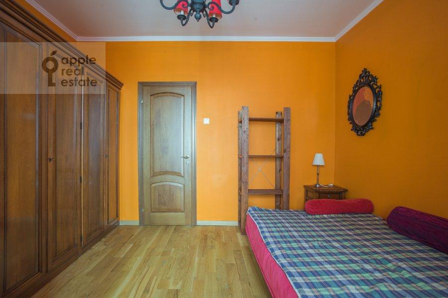 Спальня в 4-комнатной квартире по адресу Тверская ул. 4