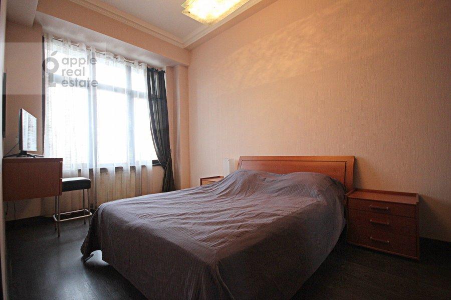 Спальня в 3-комнатной квартире по адресу Серафимовича ул. 2