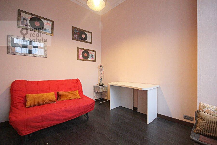 Детская комната / Кабинет в 3-комнатной квартире по адресу Серафимовича ул. 2