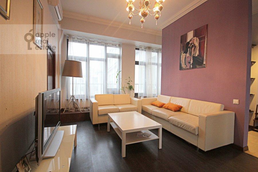 Гостиная в 3-комнатной квартире по адресу Серафимовича ул. 2
