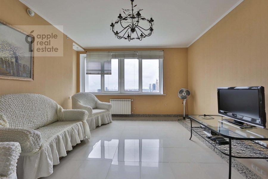 Living room of the 2-room apartment at Khoroshevskoe shosse 16k2