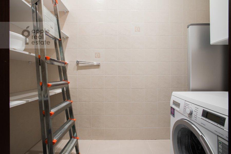 Walk-in closet / Laundry room / Storage room of the 3-room apartment at Krylatskie Kholmy ul. 33k1