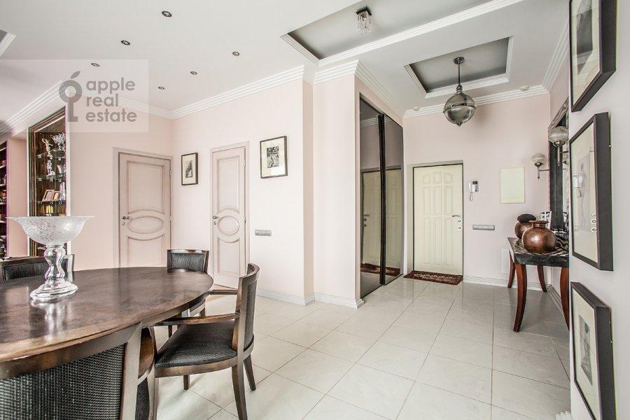 Кухня в 3-комнатной квартире по адресу Дмитрия Ульянова ул. 31