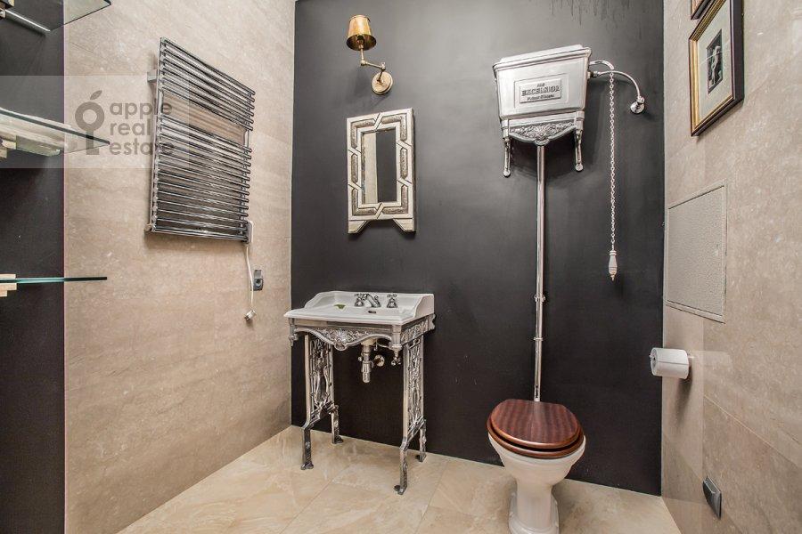 Санузел в 3-комнатной квартире по адресу Дмитрия Ульянова ул. 31