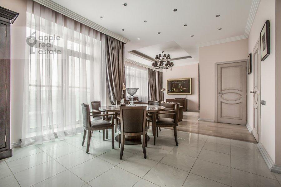 Гостиная в 3-комнатной квартире по адресу Дмитрия Ульянова ул. 31