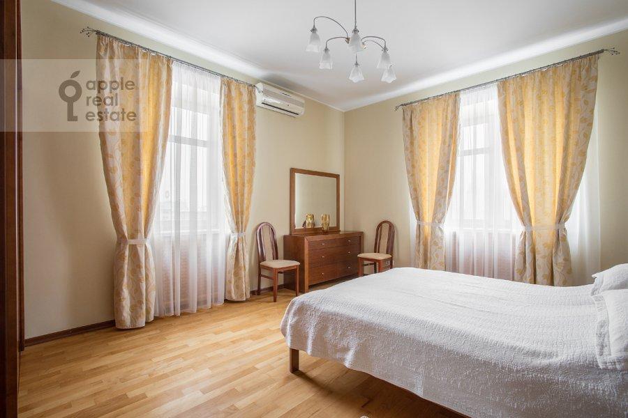 Bedroom of the 3-room apartment at Novinskiy bul'v. 12