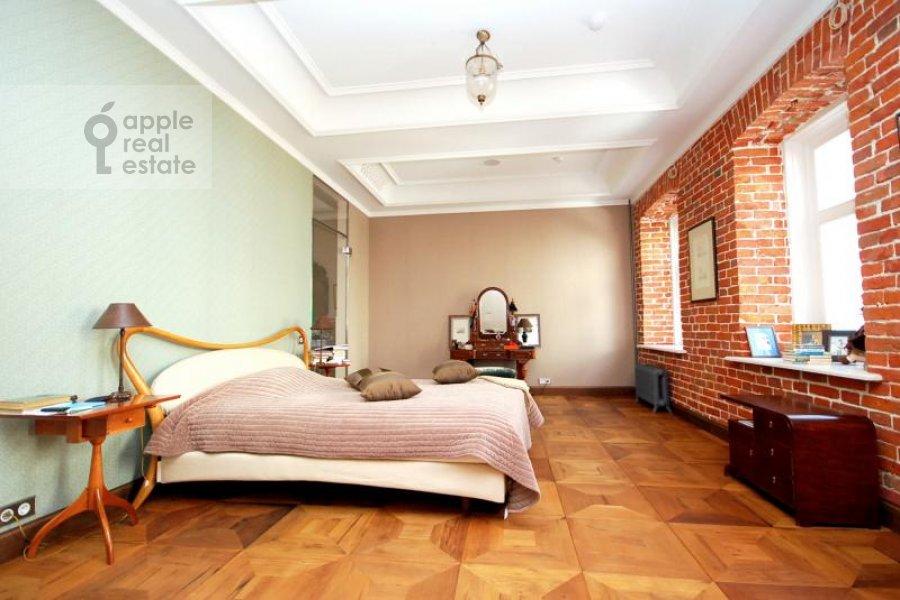 Спальня в 6-комнатной квартире по адресу Хлебный переулок 6