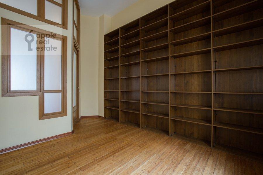 Детская комната / Кабинет в 4-комнатной квартире по адресу Кривоколенный пер. 14