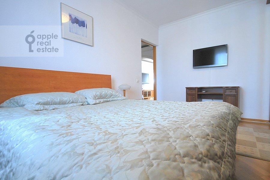 Спальня в 4-комнатной квартире по адресу Сергея Макеева ул. 1