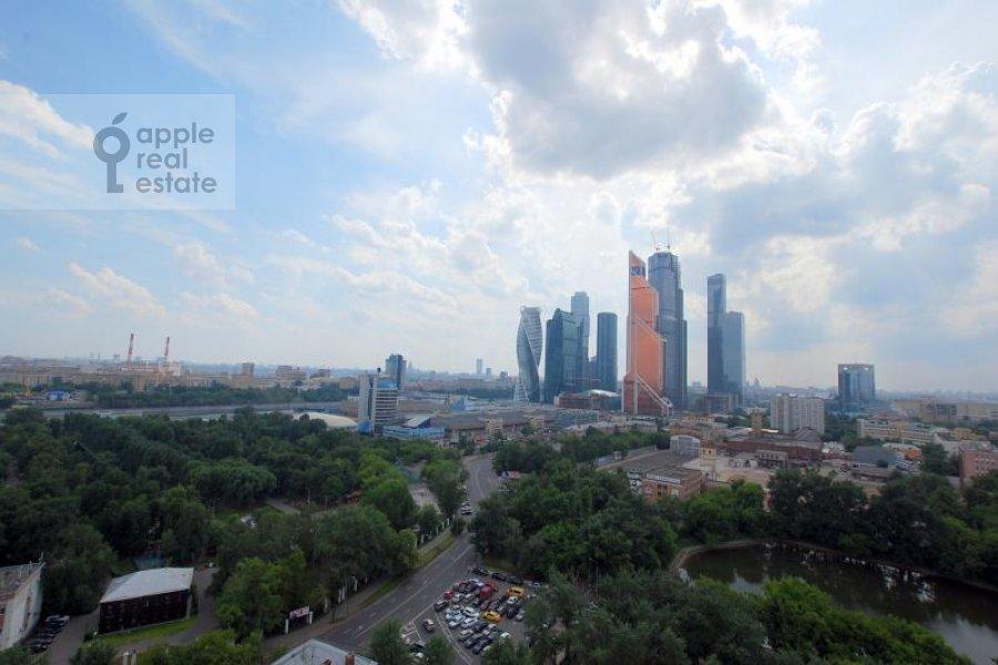 Вид из окна в 4-комнатной квартире по адресу Сергея Макеева ул. 1