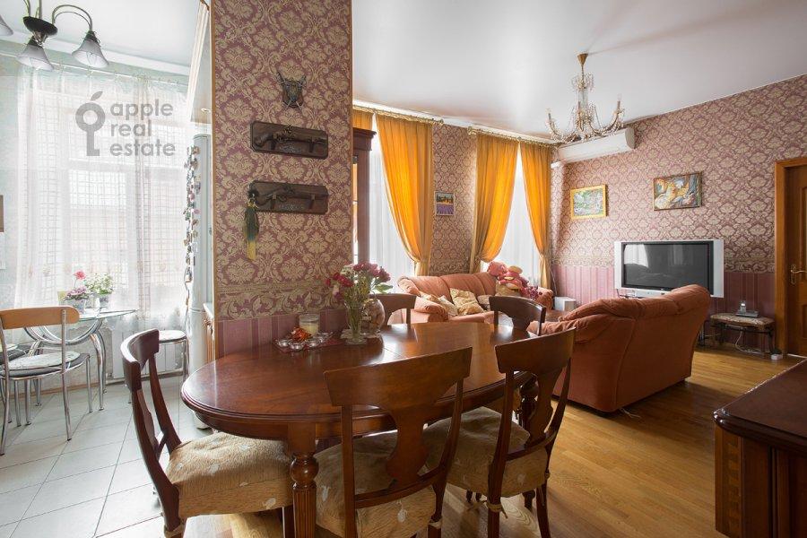 Гостиная в 3-комнатной квартире по адресу Бродников пер. 10с2