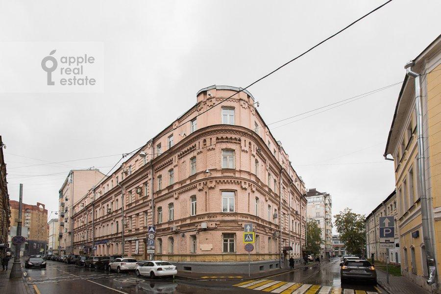 Вид из окна в 3-комнатной квартире по адресу Бродников пер. 10с2