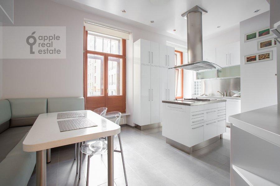 Кухня в 2-комнатной квартире по адресу Плотников переулок 21с1