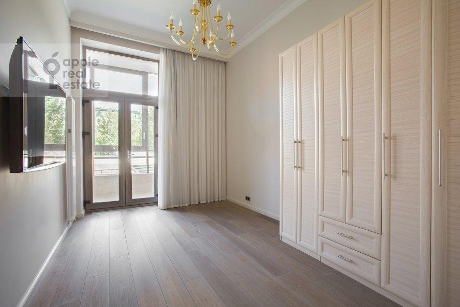 Children's room / Cabinet of the 4-room apartment at Yakimanskiy per. 6