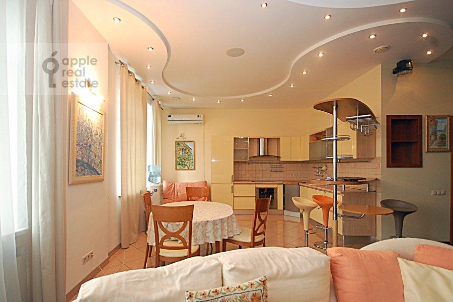Kitchen of the 3-room apartment at Ordynka Bol'shaya ul. 67