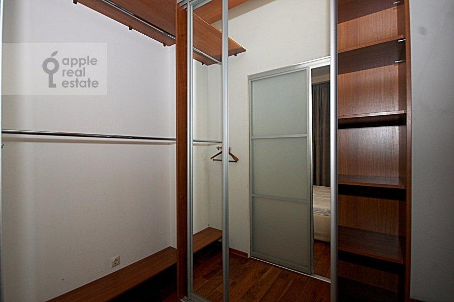 Walk-in closet / Laundry room / Storage room of the 3-room apartment at Ordynka Bol'shaya ul. 67