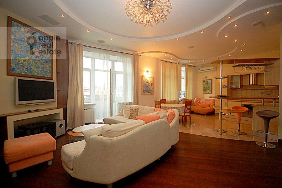 Living room of the 3-room apartment at Ordynka Bol'shaya ul. 67