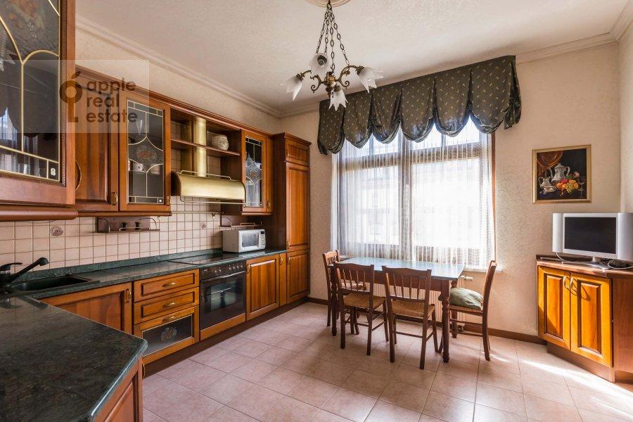 Kitchen of the 3-room apartment at Lesnaya ul. 6k1