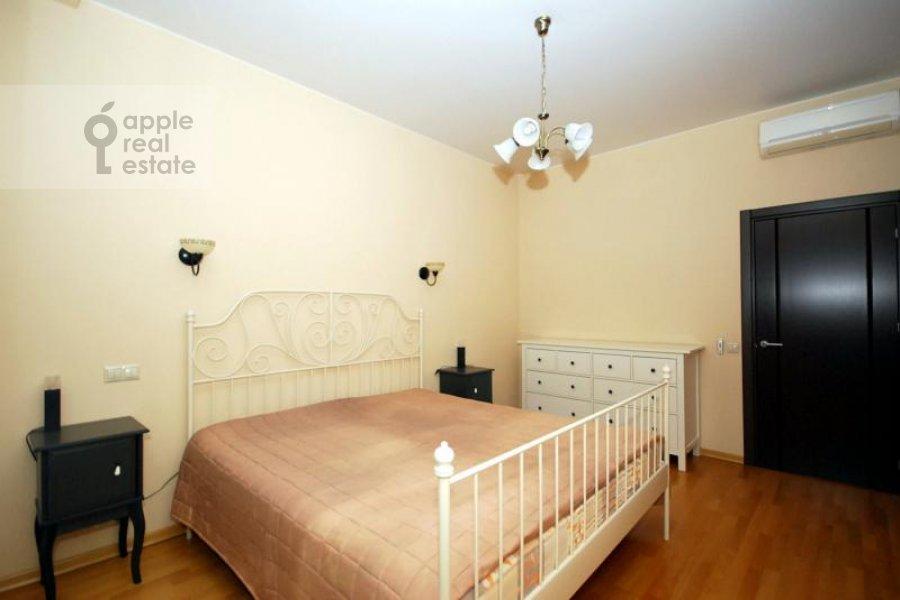 Bedroom of the 3-room apartment at Kochnovskiy pr. 4