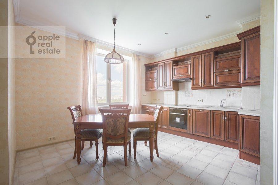 Kitchen of the 4-room apartment at Zvenigorodskaya ul. 8k1